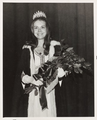 Homecoming Coronation Queen Linda Siems